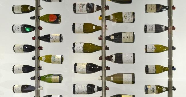 9-000-bouteilles-800-references-80-domaines-font-renommee-du-restaurant