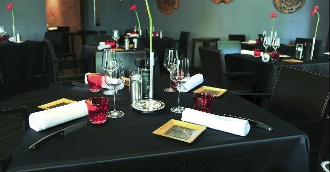 L'intérieur et salle à manger de L'Esprit de la Violette à Aix-en-Provence, restaurant étoilé au Michelin