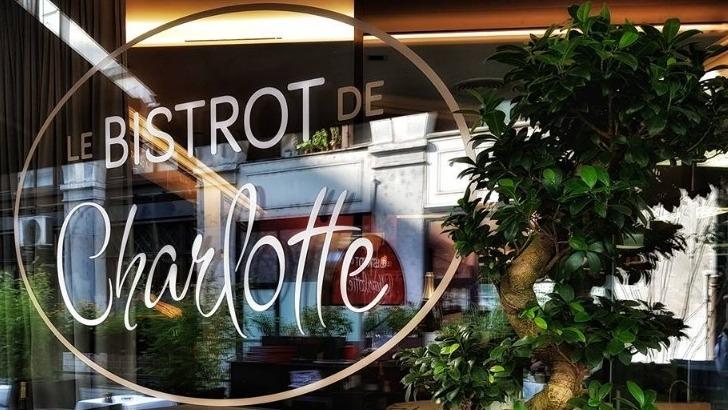 bistrot-de-charlotte-a-geneve-embraque-dans-ambiance-typique-des-brasseries-lyonnaises