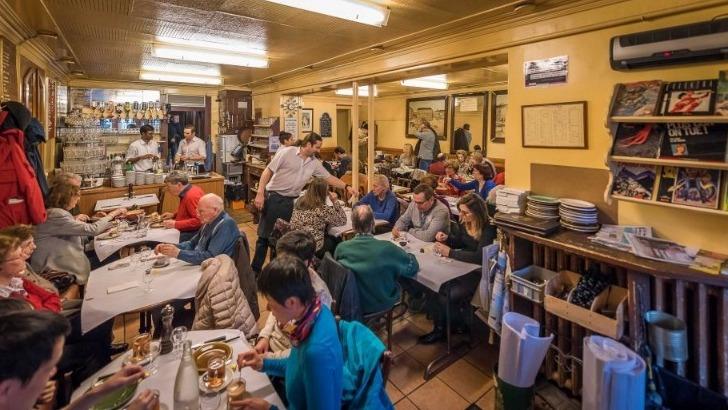 restaurant-cafe-du-soleil-une-ambiance-chaleureuse-invite-a-un-periple-culinaire