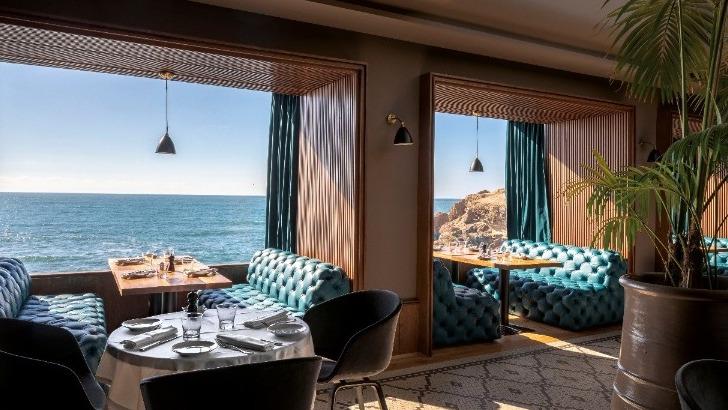 salle-a-manger-restaurant-cabestan-a-casablanca-maroc-meilleure-table-avec-vue-sur-ocean