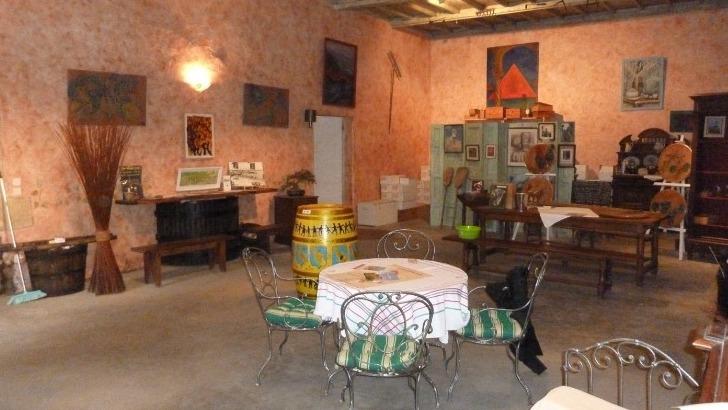 chateau-piada-outre-visites-et-degustations-expositions-de-peinture-et-de-sculptures-sont-aussi-a-decouvrir-au-sein-du-domaine
