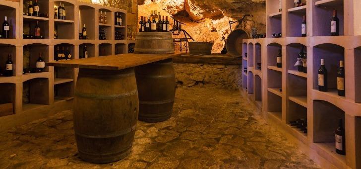 cave-a-vin-du-restaurant-du-chateau-de-tour-a-beguey