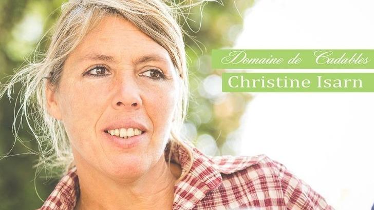 christine-isarn-accueille-a-bras-ouvert-et-avec-sourire