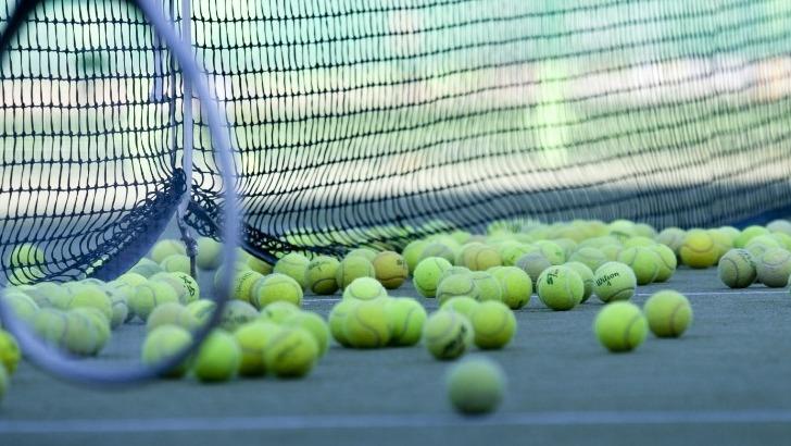des-sejours-avec-option-tennis-sont-proposes-par-atout-linguistique