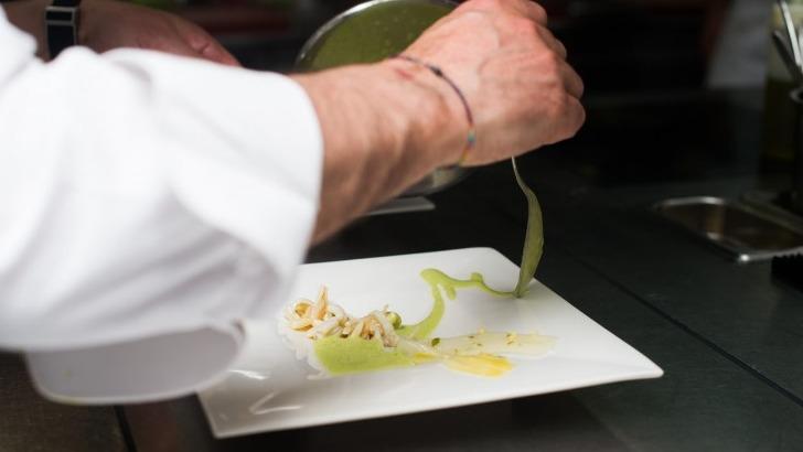 cerf-a-cossonay-suisse-de-fantaisie-et-de-inventivite-dans-plats