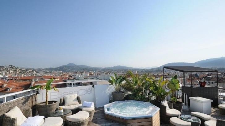 splendid-hotel-relaxer-dans-un-environnement-de-detente-pour-oublier-un-moment-tensions-liees-au-travail