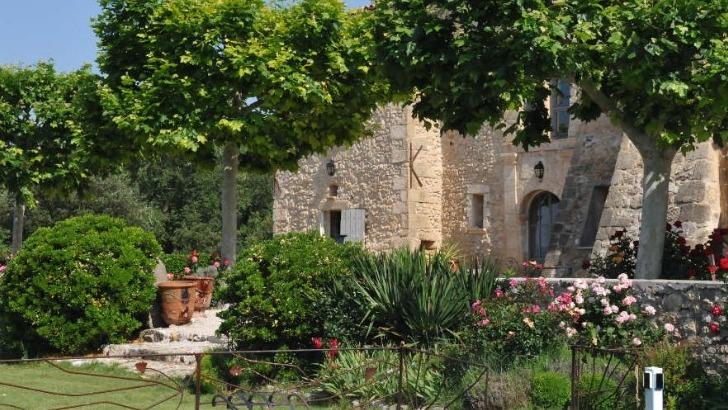 chateau-grand-callamand-un-cadre-enchanteur-prete-a-detente