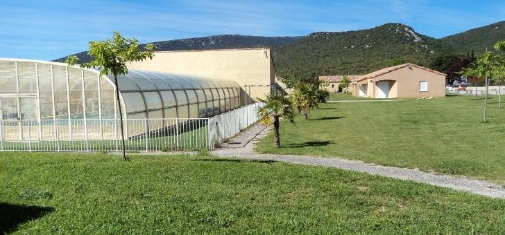 parc-sport-et-loisirs-a-brissac-residence-est-nichee-dans-un-cadre-preserve