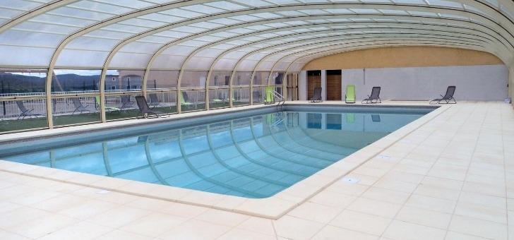 parc-sport-et-loisirs-a-brissac-piscine-couverte-et-chauffee