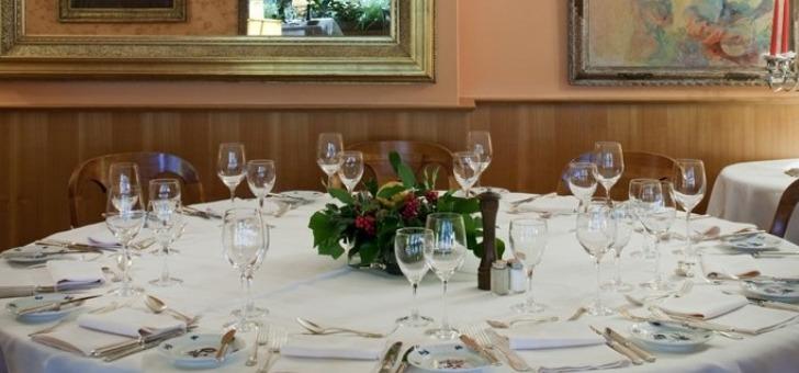 restaurant-victoria-a-glion-pour-un-diner-toute-convivialite-famille-sejour-d-affaire