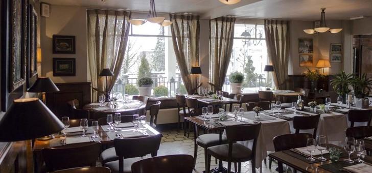 croix-d-ouchy-attire-une-clientele-internationale-et-a-une-capacite-d-environ-75-personnes-35-dans-cafe-et-40-dans-partie-restaurant