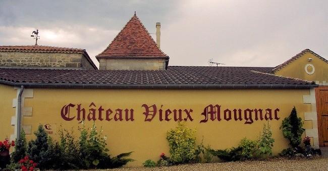 chateau-vieux-mougnac-a-petit-palais-et-cornemps
