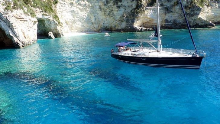 laissez-embarquer-avec-oceans-evasion-vers-une-des-plus-belles-destinations-au-monde-grece