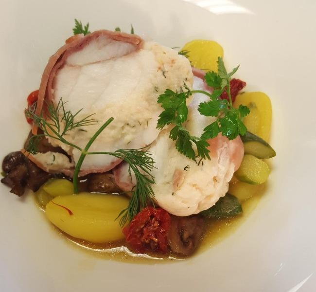 restaurant-autour-du-tilleul-a-saint-cyprien