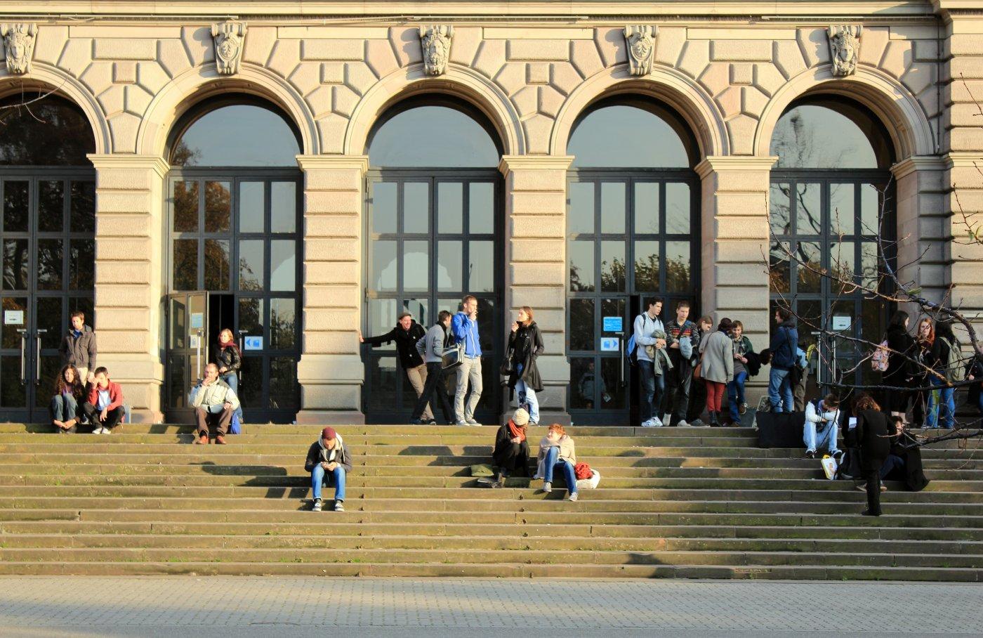 marches-du-palais-universitaire