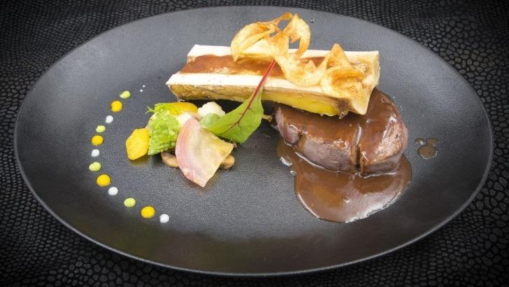 hotel-restaurant-tante-yvonne-a-quincieux-mettre-avant-produits-et-savoir-faire-du-terroir