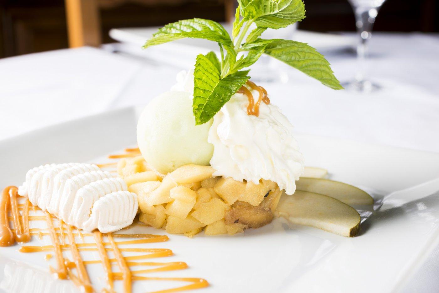 ferme-mont-saint-michel-propose-aussi-des-desserts-gourmands-et-fruites