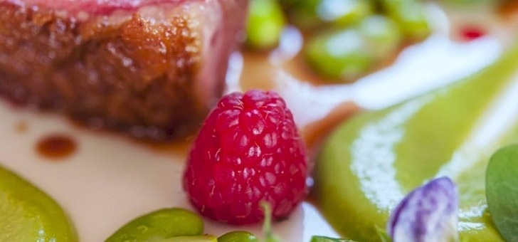 experiences-culinaires-inoubliables-au-restaurant-gastronomique-1407-yvain-de-galles-a-mortagne-sur-gironde