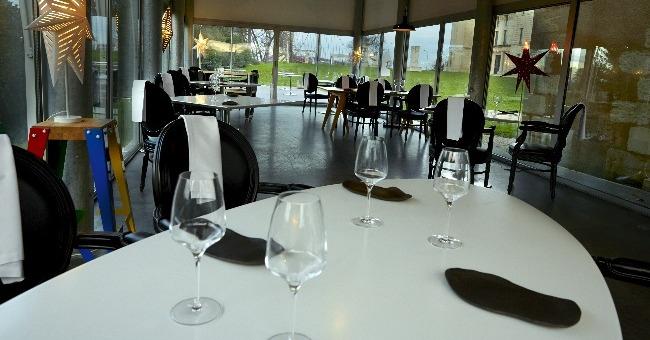 decouvre-belle-dualite-ancien-moderne-correspond-tout-a-fait-a-personnalite-chef-restaurant-prince-noir-1-etoile-michelin