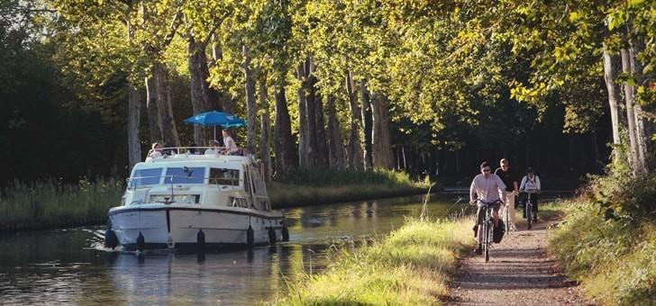 castelnaudary-balade-fluviale-location-de-bateau-et-sejour-touristique-au-fil-de-au-sur-canal-du-midi