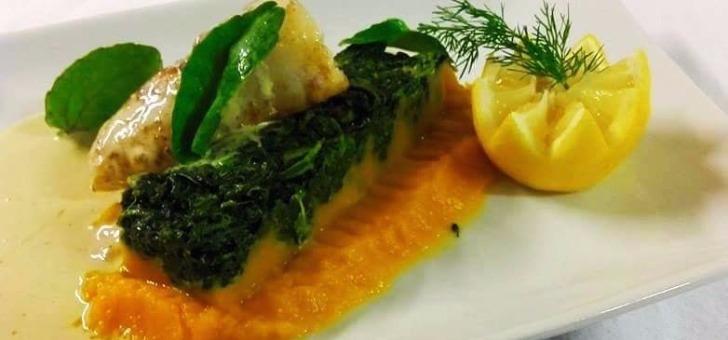 cuisine-de-grand-mere-specialites-locales-au-restaurant-rabutin-a-bussy-grand-pave-de-lieu-jaune-argenteuil