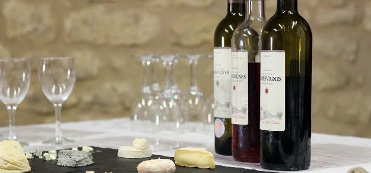 le-chateau-ladesvignes-a-pomport-de-belles-decouvertes-gustatives-surprenantes-vous-attendent-tous-les-jeudis-de-juillet-et-aout-lors-des-degustations-de-vins-et-fromages-artisanaux