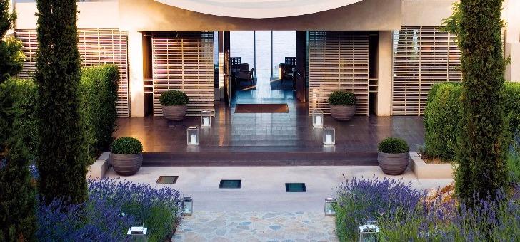 restaurant-voile-a-reserve-ramatuelle-un-etablissement-situe-dans-un-palace-5-etoiles