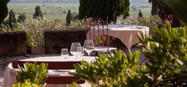 Un déjeuner un dîner au Restaurant du Château des Fines Roche, étape incontournable pour découvrir Châteauneuf-du-Pape et ses environs