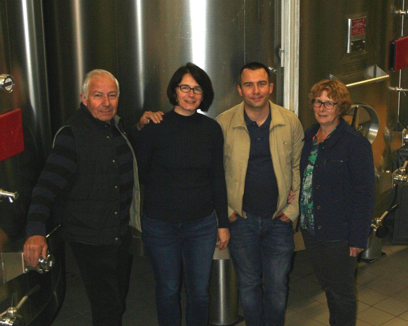 champagne-yveline-prat-un-travail-famille