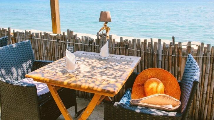 un-cadre-idyllique-pour-des-vacances-naturistes