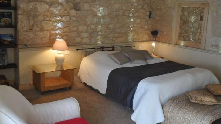 chateau-grand-callamand-un-domaine-familial-a-double-vocation-production-de-vins-et-sejours-oenotouristiques