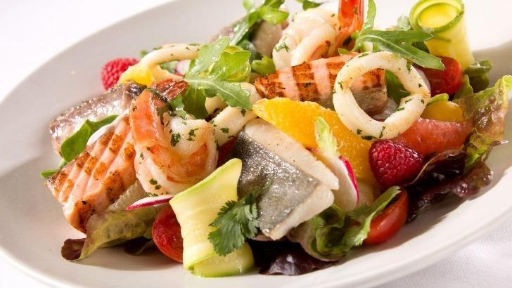salade-de-poisson-aux-agrumes-restaurant-jardins-de-medina