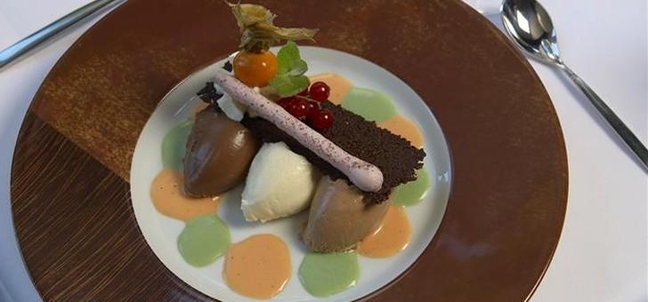 restaurant-belle-vue-rien-de-mieux-qu-un-delicieux-dessert-chocolate-pour-bien-finir-repas