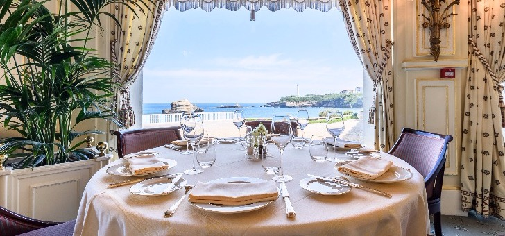 restaurant-villa-eugenie-a-hotel-du-palais-a-biarritz-une-cuisine-gastronomique-etoilee-michelin-dans-un-cadre-magnifique-face-a-ocean