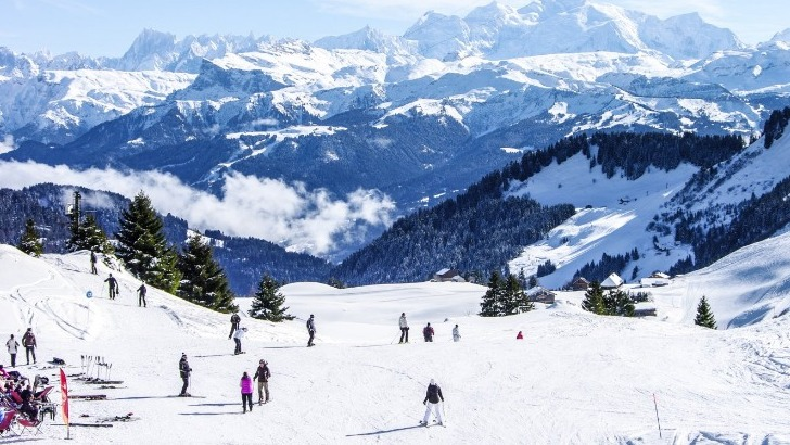 praz-de-lys-sommand-station-face-au-mont-blanc