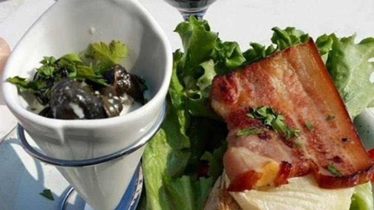 au-restaurant-de-riviere-a-gurgy-escargots-au-chaource-et-salades-fraiches