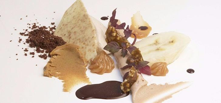 realisation-dessert-restaurant-sens-uniques-a-paris-18-chocolat-banane-cacahue-quand-cuisine-devient-un-art