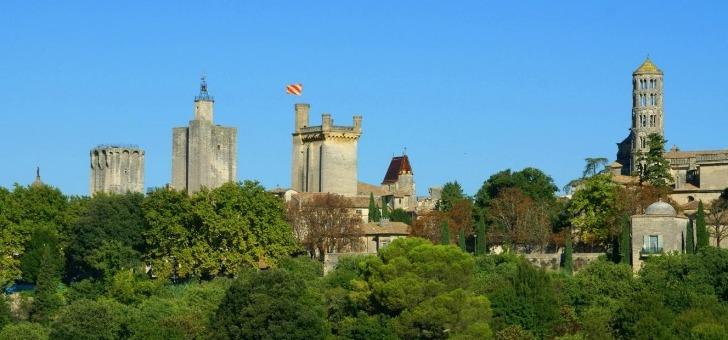 ville-d-uzes-reconnue-pour-son-patrimoine-et-son-marche-typique