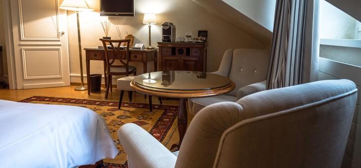Hotels Et Hebergements Domaine De Chateauvieux Hotel A