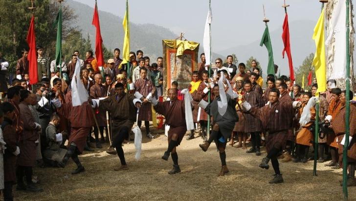exquisite-bhutan-image-d-un-festival-traditionnel-reflete-diversite-de-culture-bhoutanaise