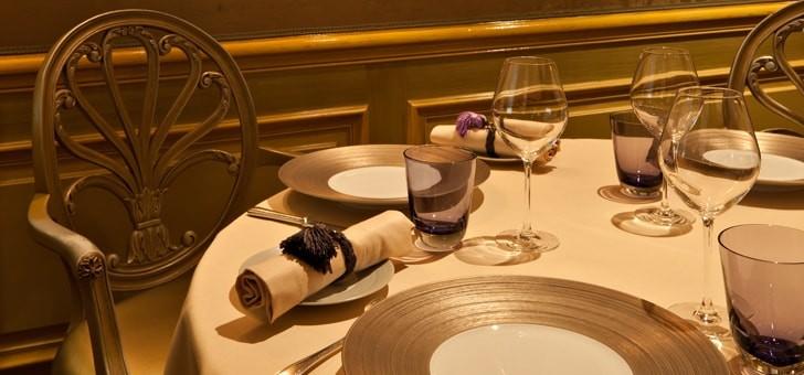 art-de-table-vin-gastronomie-a-francaise-pour-restaurant-etoile-michelin-celadon-de-hotel-westminster