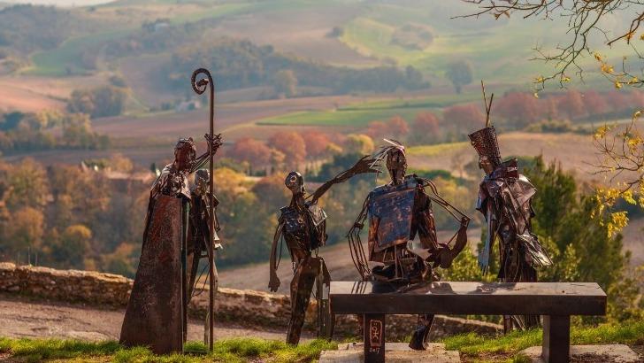 parcours-sculpturel-signe-loic-tellier-a-fanjeaux