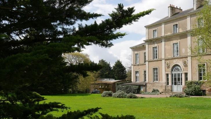 chateau-du-cleray-est-transmis-de-generation-generation-dans-famille-sauvion-depuis-1935