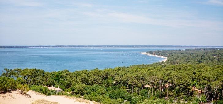 pepiniere-d-entreprises-du-al-de-eyre-avec-une-vue-sur-littoral-du-bassin-d-arcachon