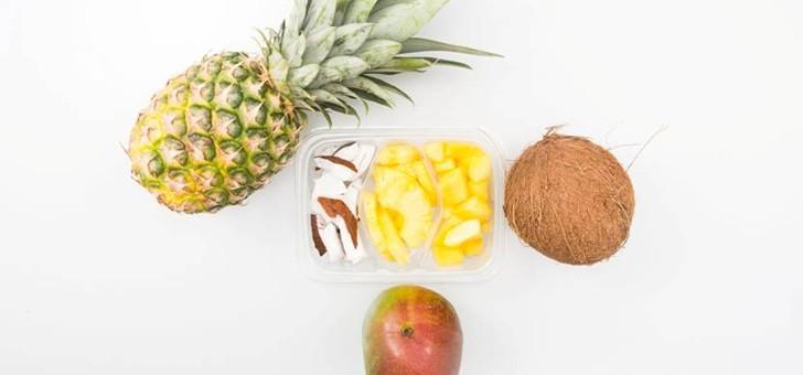 frais-eminces-a-pontchateau-a-cote-de-nantes-des-fruits-decoupes-presentes-portion-individuelle