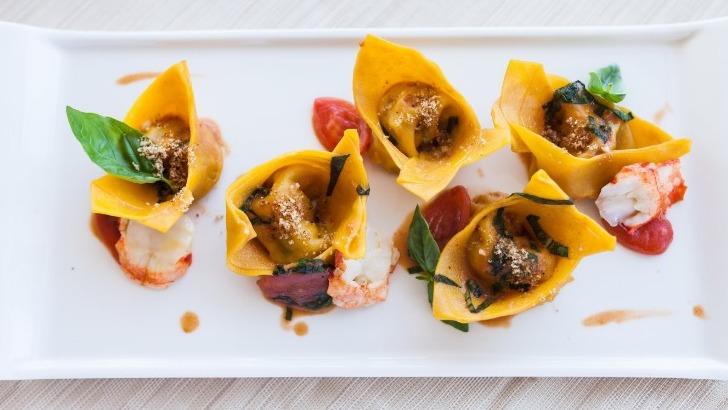 pates-tortelli-homard-tomates-cerises-basilic