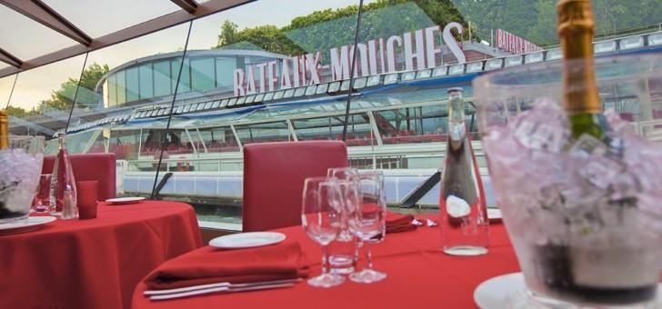compagnie-des-bateaux-mouches-a-paris-experience-culinaire-sur-seine