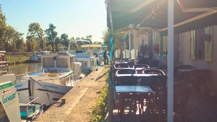 port-sur-canal-du-midi-a-bram