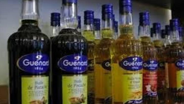 dans-magasin-d-autres-huiles-sont-presentes-comme-de-pistache